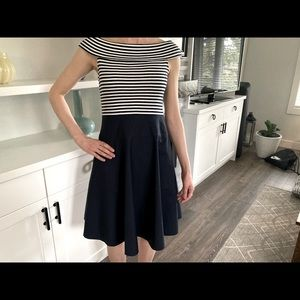 LAUREN RALPH LAUREN STRIPED NAVY-WHITE DRESS-Small